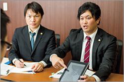 弁護士澤戸、江藤